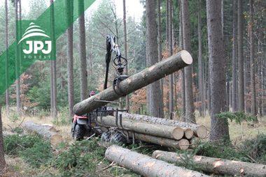 Malá vyvážečka Vahva Jussi 1500_320 4WD a pracovné štvorkolka