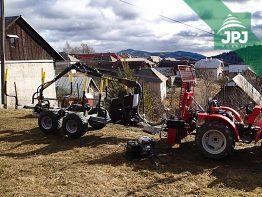malotraktor a vyvýžečka dreva