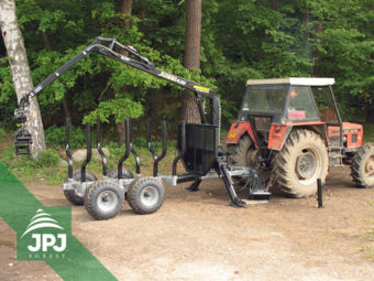 Traktorová vyvážačka Vahva Jussi 3000_420 a traktor Zetor